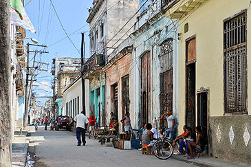 Soy de Cuba - La Havanna - street with man walking