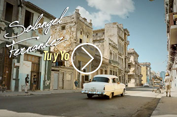 Soy de Cuba-Videos - White taxi in the streets of La Havana - Cuba